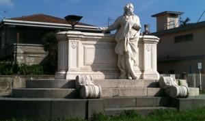 Monumento_a_Domenico_Cimarosa1