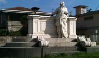 Monumento_a_Domenico_Cimarosa2